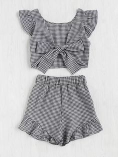Shop Gingham Frill Trim Bow Tie Back Top With Shorts online. SheIn offers Gingham Frill Trim Bow Tie Back Top With Shorts & more to fit your fashionable needs. Style Outfits, Casual Outfits, Girl Outfits, Summer Outfits, Cute Outfits, Fashion Outfits, Two Piece Outfit, Mode Style, Baby Dress