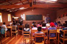 Profesor de GERENS se reunió con alumnos y docentes de la Escuela Kusi Kawsay en Cusco. Hace pocas semanas, el socio y profesor de GERENS, Pedro Mendo, dictó una singular charla a niños de la escuela Kusi Kawsay ubicada en el distrito de Pisac en la ciudad de Cusco.