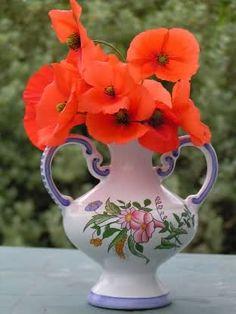Znalezione obrazy dla zapytania buchete de flori la multi ani Poppies, Vase, Home Decor, Decoration Home, Room Decor, Poppy, Vases, Home Interior Design, Poppy Flowers