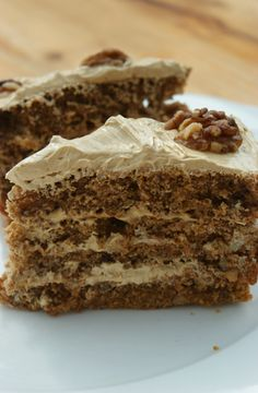 Poires au Chocolat: Coffee and Walnut Cake. Hard with all the ingredient in grams. Tricky to make, a bit salty. Coffee Dessert, Coffee Cake, Coffee Coffee, Baking Recipes, Cake Recipes, Dessert Recipes, Cheesecakes, Just Desserts, Delicious Desserts