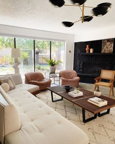 It's as easy as shopping for used furniture items instead of buying brand new pieces when outfitting your space. Living Room Colors, Home Living Room, Living Room Designs, Living Spaces, Living Area, Home Design, Beautiful Interior Design, Diy Bedroom Decor, Home Decor