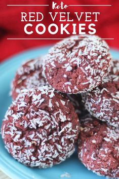 These are super low carb per cookie!) fudge and delicious! Dairy free, grain free and sugar free. Make them for your next holiday! velvet carb Delicious and Fudgy - Dairy, grain and sugar free keto Red Velvet Cookies! Keto Desserts, Keto Friendly Desserts, Dessert Recipes, Keto Snacks, Dinner Recipes, Paleo Dinner, Lunch Recipes, Breakfast Recipes, Healthier Desserts