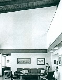 1964 - The Kline Residence, Bel Air CA. The original house, designed by Cal Straub, was destroyed by fire. Gehry (aged 35) and associate Greg Walsh produced a new home very similar to the first