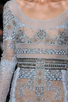 The detail is so stunning - Emilio Pucci - Fall 2012 Couture Details, Fashion Details, Love Fashion, High Fashion, Womens Fashion, Fashion Design, Emilio Pucci, Art Du Fil, Christian Dior