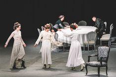 Τρεις καρέκλες εποχής στην σκηνή του θεάτρου. Αυτή ήταν η πρώτη εικόνα που έβλεπε ο θεατής. Με μουσική άρχισε η παράσταση. Η πρώτη σκηνή της έναρξης του έργου είχε μια ονειρώδικη καλλιγραφική αίσθηση στην εικόνα μιας στιγμιαίας χορευτικής αιώρησης πριν το στρώσιμο του τραπεζιού, προοίμιο της γιορτής. Στον γύρο αυτόν είδαμε τις γυναικείες φιγούρες να… Bridesmaid Dresses, Wedding Dresses, Fashion, Bridesmade Dresses, Bride Dresses, Moda, Bridal Gowns, Wedding Dressses, La Mode