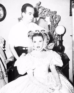 photo Judy Garland Vincent Minnelli behind the scenes 2-02