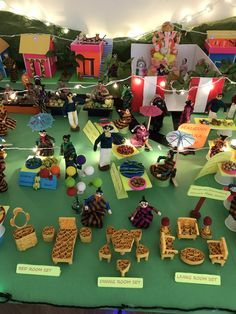 Exhibition with handmade dolls and miniatures Quilling Dolls, Quilling Ideas, Arts And Crafts, Paper Crafts, Diy Crafts, Ganpati Festival, Art Projects, Projects To Try, Pooja Rooms
