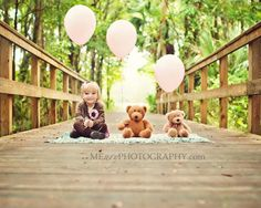 ohemgee. cutest birthday photography idea ever. :)