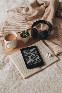 Kindle, Headphones, Tea by Anika at Chapters of May | chaptersofmay.com | @chaptersofmay Kindle, Instagram Grid, Book Aesthetic, Study Inspiration, Study Motivation, Book Photography, Bookstagram, Senior Pictures, Cute Wallpapers