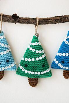 Ravelry: Alberelli Christmas decoration pattern by Ilaria Caliri (aka airali)