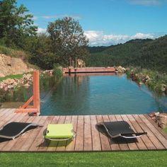 Retrouvez le plaisir d'un bain dans une eau claire comme celle d'un lac de montagne. Aquatiss.