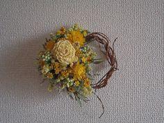 COLORS+黄色小花の柳リース  | ハンドメイドマーケット minne