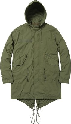 Supreme Fishtail Parka is a newer style that has become a popular style. It is resemble a fish tail and is commonly found in overcoats and vests on the center back. Gabe D
