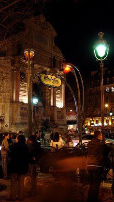 Métro Saint-Michel,Boulevard Saint-Michel, Paris 5e