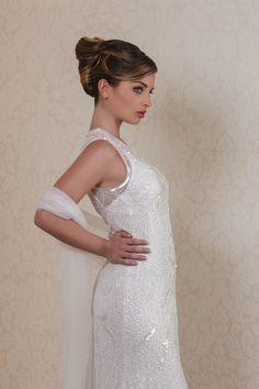 Un'acconciatura classica e raffinata per una sposa che vuole sedurre ma con eleganza. #hairstudios #bridal #wedding #consulentiDiBellezza #raccoltoAlto