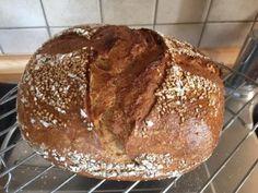 Víkendový celozrnný chléb   ŠKOLA KVÁSKOVÉHO PEČENÍ Food And Drink, Bread, Fit, Shape, Brot, Baking, Breads, Buns