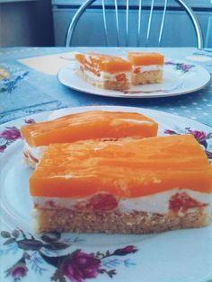 Smotanové rezy s mandarínkami • recept • bonvivani.sk Pudding, Ethnic Recipes, Food, Custard Pudding, Essen, Puddings, Meals, Yemek, Avocado Pudding