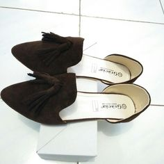 Buy Fashion Shoes in Pamulang,Indonesia. Size 36-40 Get great deals on Olshop Wanita Chat to Buy