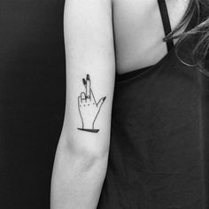 """I don't make promises, so fingers crossed "" thank you, Samantha  #tattoo #handdrawing #handtattoo #illustration #hand #fingerscrossed"