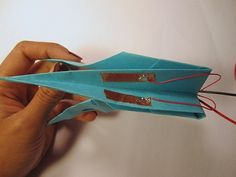 How to Make an Electronic Origami Crane That Flaps Its Own Wings :D Omgomgomg