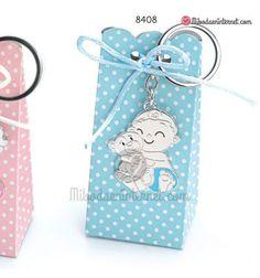 Opción presentación sobre caja alta de topos blancos Keychain Ideas, Baby Shower, Gift Boxes, Key Fobs, Bebe, Babyshower, Baby Showers