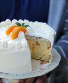 Tort śmietankowy z musem brzoskwiniowym… Amazing Cakes, Vanilla Cake, Muffins, Cheesecake, Sweets, Cupcake, Peach, Muffin, Gummi Candy