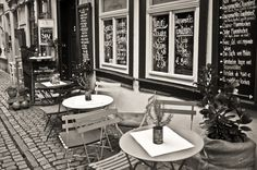 Small Café on the 'Krämerbrücke' in Erfurt