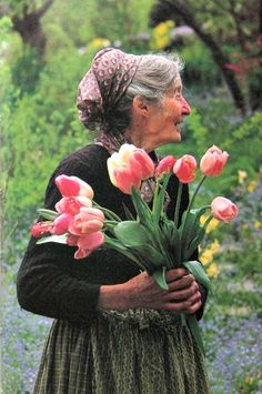 Tasha Tudor...I admire how she used her golden years so much!! I hope I can follow even a smidgen of her example.=)