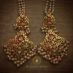 gold plated earrings in semi precious stones and pearls. Pakistani Jewelry, Indian Wedding Jewelry, Bridal Jewelry, Gold Jewellery Design, Gold Jewelry, Jewelery, Beaded Jewellery, Antique Jewellery, Jewelry Sets