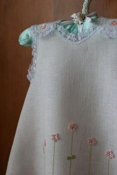 Cotita para niña con flores en 3-D  0-3 meses  Blanco con