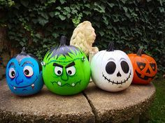 Halloween pumpkins painted by acrylic colors.