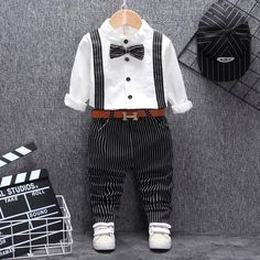 British style baby boy clothing one year birthday wedding costume set for newborn baby boy tops pant with belt suit clothes sets Baby Boy Suit Set, Boys Suit Sets, Baby Boy Tops, Boys Suits, Newborn Fashion, Baby Outfits Newborn, Baby Boy Outfits, Boy Fashion, Kids Outfits