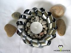 Recycled craft ideas: Wavy candle holder What you need: Beer can Knife Scissors Craft knife Flat pliers How to make a wavy candle holder? Diy Candle Holders, Diy Videos, Video Tutorials, Recycled Crafts, Recycling, Candles, How To Make, Craft Ideas, Creative