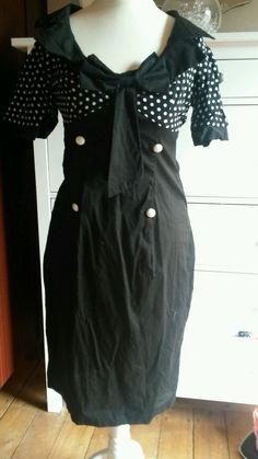 Elegant 'Pussy-Bow' Polka-Dot Black & White by TheAtticofKitsch Wiggle Dress, Retro Outfits, Pin Up Girls, Vintage Sewing, Polka Dots, Retro Clothing, Bows, Black And White, Elegant