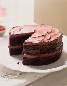 Mary Berry's very best chocolate cake recipe Amazing Chocolate Cake Recipe, Chocolate Filling For Cake, Best Chocolate Cake, Chocolate Fondant Cake, Decadent Chocolate, Chocolate Desserts, Mary Berry Chocolate Mousse, Mary Berry Cake Recipes, Choc Fudge Cake