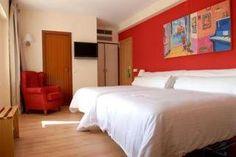 Hotel Platjador Sitges www.hotelsitges.com Paseo de la Ribera nº 35 +34 938 945 054