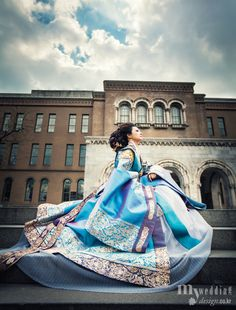 Amazing, modern blue, royal inspired 한복 Hanbok / Traditional Korean dress  현대적건축물아래서(DDP 등)