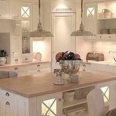 39 ideas for kitchen corner pantry layout islands Kitchen Pantry Design, Open Plan Kitchen, Kitchen Layout, Home Decor Kitchen, Interior Design Kitchen, New Kitchen, Home Kitchens, Kitchen Organization, Organization Ideas