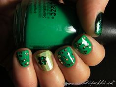 St. Patty's nails! http://beautifulwelldressed.blogspot.com