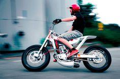 Swedish minimalism: Marcus Moto Design's Honda Tracker Honda Tracker by Swede Marcus Carlsson of Marcus Moto Design. Concept Motorcycles, Custom Motorcycles, Custom Bikes, Tracker Motorcycle, Moto Bike, Scrambler Motorcycle, Ducati Scrambler, Bobber, Scooters