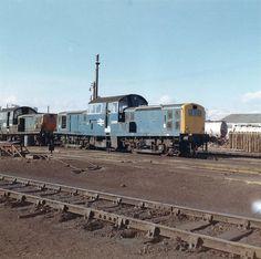 British Rail Class 17 Clayton D8558 Electric Locomotive, Diesel Locomotive, Uk Rail, Railroad History, Train Pictures, British Rail, Train Engines, Train Journey, Bahn