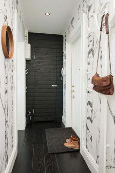 Comment décorer un couloir | Corridor, Entry stairs and Doors
