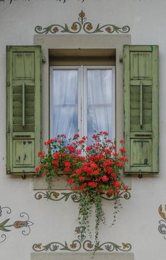 Exterior window shutters ideas flower boxes 15 ideas for 2019 Old Doors, Windows And Doors, Flower Window, Garden Windows, Window View, Open Window, Window Dressings, Architecture Details, Garden Architecture