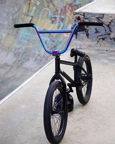 's ride - Bmx Bikes - Ideas of Bmx Bikes - 's ride Bmx Bike Parts, Bmx Bicycle, Mtb Bike, Bmx 20, Black Bmx, Best Bmx, Motorcross Bike, Bmx Freestyle, Bike Parking