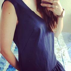 Ma robe Jade LAP vit ses derniers instants de couture avec @meloem2f. Elle sera bientôt prête pour être portée 😁. #couture #almostdidit #myfirstproject #JadeLAP One Shoulder, Couture, Instagram, Blouse, Tops, Women, Fashion, Jade Dress, Moda