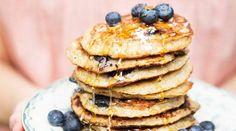 Pancakes549x305.jpg  http://www.casalmisterio.com/panquecas-de-banana-e-coco-sem-farinha-675112