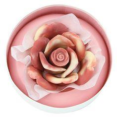 花びらショコラ10枚で1輪のバラを咲かせました。【ペタル・アラベスク】