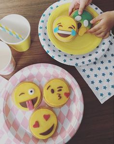 Emojis & Super-héros forever! Pic Kids Party Directory.it ! #emojis #superhero #mylittleday