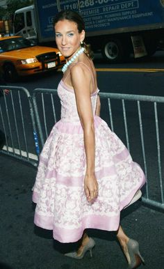 "June 9, 2004 Where: At the Fragrance Foundation's ""FIFI"" Awards in New York City. What: Dress by Oscar de la Renta."