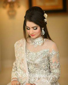 Simple Pakistani Dresses, Pakistani Wedding Outfits, Pakistani Bridal Dresses, Pakistani Bride Hairstyle, Pakistani Bridal Makeup Hairstyles, Bridal Hairstyles, Fancy Wedding Dresses, Bridal Makeup Looks, Ghd Hair